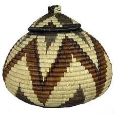These handwoven baskets are woven by people from the Zulu tribe in the KwaZulu… Weaving Art, Hand Weaving, Pine Needle Baskets, Kwazulu Natal, Traditional Decor, African Art, Basket Weaving, Entryway Decor, Handmade