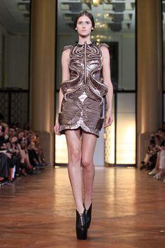 Iris Van Herpen Couture Fall Winter 2012 Paris - NOWFASHION