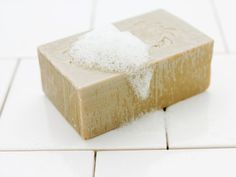 Lye is a dangerous corrosive material, but it has a variety of benign uses. You can also use lye to make soap. How To Make Lye, Diy Beauty Care, Lye Soap, Oatmeal Soap, Diy Candles, Handmade Soaps, Diy Hacks, Herbal Remedies, Soap Making