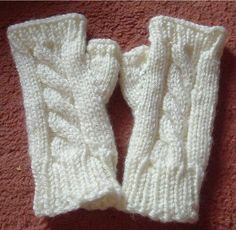 Design: Chunky Cabled Fingerless Mitts:  Pattern: Available below, I adapted it from a number of sources  Yarn: Stylecraft Life Chunky, in ...