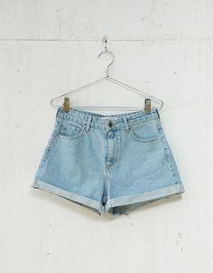 *BERSHKA    Denim shorts   Pantalones cortos vaqueros con vuelta