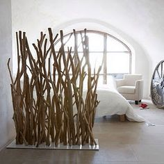 The post Netter Raumteiler super Idee . appeared first on Raumteiler ideen. Wood Room Divider, Room Dividers, Bamboo Wall, Diy Casa, Home And Deco, Cool Rooms, Home Decor Inspiration, Driftwood, Diy Furniture