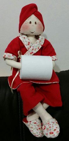 Boneca porta papel higiênico by Marli Vieira