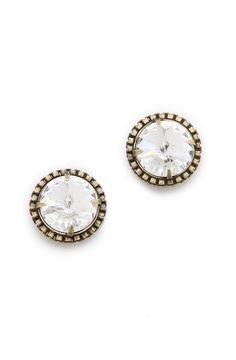 I have yet to find a pair of stud earrings I like. These come pretty close!