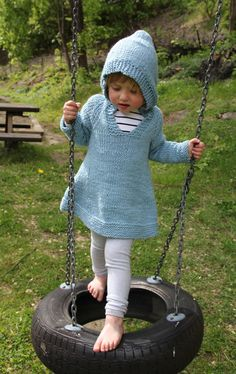 can I knit this? Well....I'll give it a shot! Free hoodie dress pattern