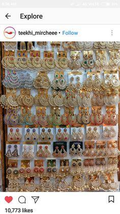 Ghanu 🖤 Indian Jewelry Earrings, Indian Jewelry Sets, Jewelry Design Earrings, Silver Jewellery Indian, Gold Earrings Designs, Indian Wedding Jewelry, Ear Jewelry, India Jewelry, Designer Earrings