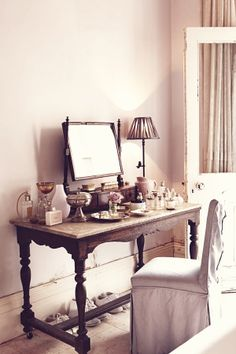 A Victorian dressing table