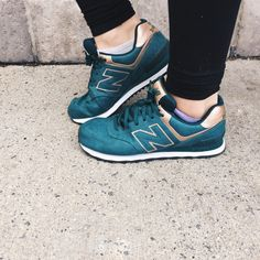 We love a great coloured shoe and these gorgeous teal & gold #NewBalance runners are no exception! Great for the gym, or better, for the gal on the go! These beauties can be found for only $30 in the awesome shoe selection at #PlatosClosetBarrhaven! #ShoeAddict #GalOnTheGo | www.platosclosetbarrhaven.com