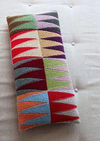 Vendestrik i Lange Baner, strikkebog af Sofie og Hanne Meedom Baby Knitting Patterns, Knitting Stitches, Knitting Designs, Knitting Projects, Embroidery Patterns, Hand Knitting, Crochet Cushion Cover, Crochet Cushions, Cross Stitch Designs