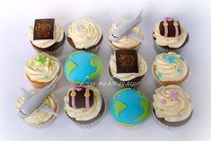 Cute and (reasonably) simple travel themed cupcakes