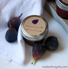 cute mason jar labels with felt food & lines sewn on cardstock Jam Jar Labels, Gift Labels, Mason Jar Gifts, Mason Jars, Jar Of Jam, Restaurant Concept, Felt Food, Pickling, Food Packaging