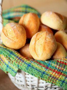 buleczki_sniadaniowe_jogurtowe Bread Bun, Polish Recipes, Bon Appetit, Bread Recipes, Brunch, Food And Drink, Yummy Food, Cheese, Baking