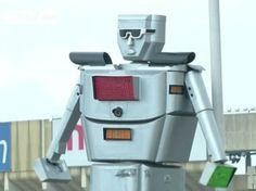 #Robocop, il #robot - #vigile che dirige il #traffico in #Congo (VIDEO)
