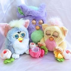 "1,345 Likes, 9 Comments - Mel Stringer (@melstringer) on Instagram: ""Repost from @katehannah, a cute pic of her Furby family! The little blonde one on the right went…"""