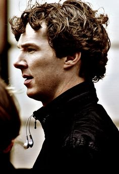 Look at his unruly mop of hair, haha.  And the eyebrow/nose crinkle. :3 hehe.