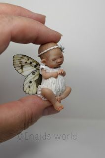 This mini fairy baby was a command. And he's now finished, although I do not know what it is, a boy or a girl ??? ;) because the c...