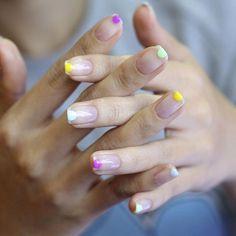 [#유니스텔라트렌드]❤️ 미니멀한 반원 네일이예요!⚪️ #미니멀네일 #반원네일 #유니스텔라 #네일디자이너 #unistella#gelnails #nailart #nails#nail#nailedit#minimalnails #halfcirclenails ✔️유니스텔라 내의 모든 이미지를 사용하실때 사전 동의, 출처 꼭 밝혀주세요❤️