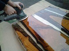 Come costruire un tavolo di legno e resina In questa procedure vedremo passo dopo passo l'applicazione più famose che mette insieme un materiale innovativo ...