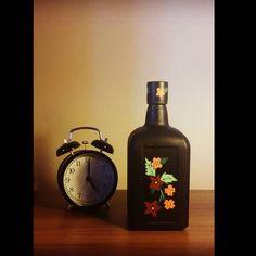 #bottle#painting#drawing#art#instaart#handmade#glass#glasspainting#home#homedecor#creative#flowers#black#time#şişe#boyama#cam#camboyama#çizim#resim#elyapımı#siyah#çiçekler