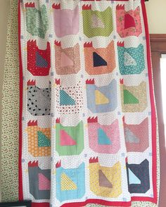 Mama Hen quilt top spotted at a quilt shop here in American Fork, Utah called The Sewing Basket...pattern is in my book Farm Girl Vintage:)....super cute Dona!!! ❤️✂️ #beeinmybonnet #farmgirlvintage #mamahenblock #farmgirlvintagefever