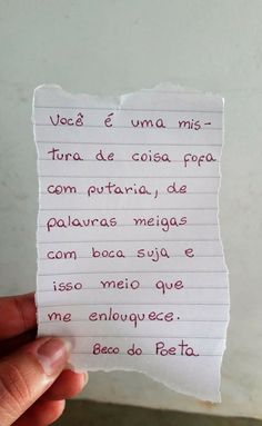 E como me enlouquece. Love Post, Love Phrases, Romantic Quotes, Quote Posters, Some Words, Me As A Girlfriend, Words Quotes, Texts, Crushes