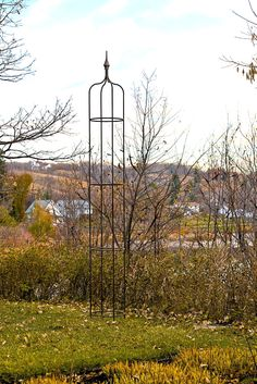 10 foot Metal Obelisk made by theclassicgarden.ca