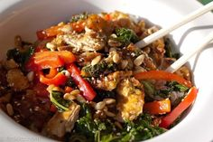 Kale and Brown Rice Noodle Bowl: Leftover takeout is a hearty day-after lunch, but who needs all the fat, sugar, and calories twice in a row? Make an extra portion of this meatless chicken, kale, and red pepper noodle bowl and look forward to your tasty midday meal.