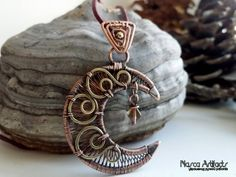 CRESCENT - wire wrapped pendant of copper and brass. Demilune - unique artisan/handcrafted necklace. Moon pendant. Fantasy style jewellery.