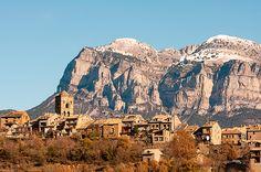 #Ainsa #Huesca Fotos: Los pueblos más bonitos de España (II) | El Viajero | EL PAÍS