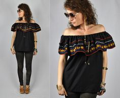 Embroidered Off the Shoulder Blouse Peasant Boho by ItaLaVintage