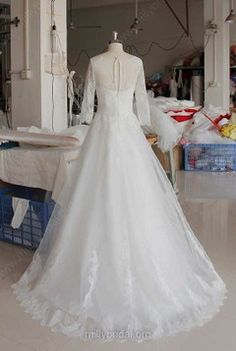 White Scoop Neck Lace Tulle 3/4 Sleeve Covered Button Ball Gown Wedding Dress #00021346