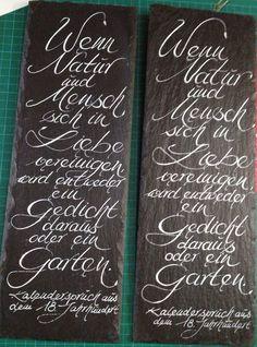 Künstlerisches Ausdrucksmittel ist meine eigene, unverwechselbare Handschrift. Mit Feder und Tinte gestalte ich für Sie ganz individuell Karten für jeden Anlass, Einladungen, Menü- und Tischkarten und Lichttüten.