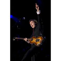Paul McCartney brings some sunshine and Beatles memories to fans in rainy D.C.