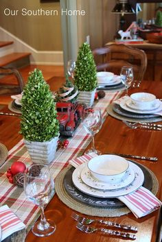 Our Southern Home | Southern Christmas Home Tour Part 1 | http://www.oursouthernhomesc.com