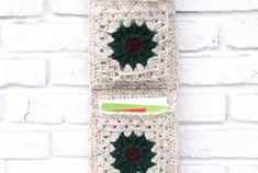 ***When I first wrote this pattern I mainly had Christmas cards in mind.