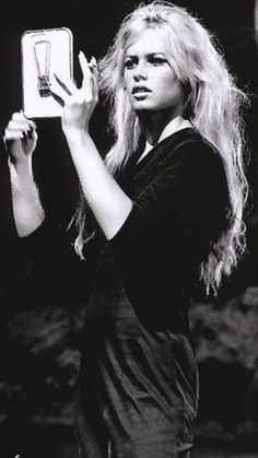 I need a smaller iPhone. Hollywood Music, Old Hollywood Stars, Hollywood Actresses, Brigitte Bardot, Bridget Bardot, Jacques Charrier, Vintage Hairstyles For Long Hair, Serge Gainsbourg, French Actress
