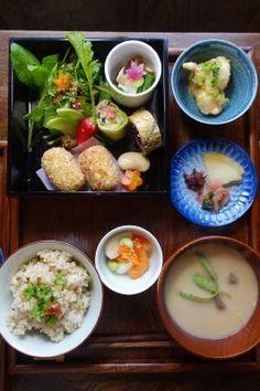 麹・米糠ヴィーガン菓子・醗酵飯♡あわゆら食堂 Sushi Recipes, Asian Recipes, Dinner Recipes, Food N, Good Food, Yummy Food, Japanese Street Food, Japanese Food, Food Presentation