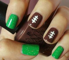 If your going to a football game and wamt to do your nails than dk this easy football nail polish