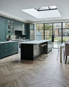 8 interior design large open plan kitchen diner extension 4 « A Virtual Zone Open Plan Kitchen Dining Living, Open Plan Kitchen Diner, Living Room Kitchen, Home Decor Kitchen, Kitchen Ideas, Open Plan Living, Kitchen Layout Plans, Diy Kitchen, Kitchen Family Rooms
