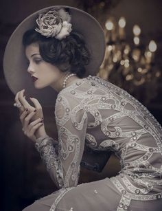 1920s inspired modern day fashion