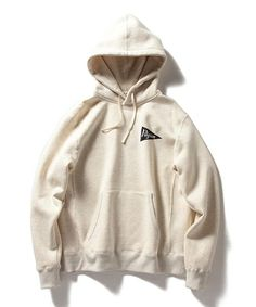 Pilgrim Surf+SupplyのPilgrim Surf+Supply / Pennant Logo Hoodyです。こちらの商品はBEAMS Online Shopにて通販購入可能です。