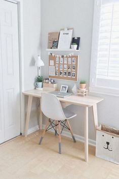 48 Elegant Office Decor Ideas For Small Apartment apartment.club 48 Elegant Office Decor Ideas For Small Apartment The post 48 Elegant Office Decor Ideas For Small Apartment apartment.club appeared first on Wohnung ideen. Small Apartment Bedrooms, Small Apartment Decorating, Small Apartments, Small Spaces, Small Desks, Apartment Desk, Apartment Interior, Office In Small Space, Small Study Desk