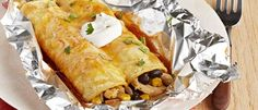 Foil-Pack Chicken Enchiladas These foil-pack dinners are easy to make, cool quickly and reduce your cleanup time. From our wide variety of chicken recipes and fish recipes, there's something for everyone. These foil pack dinners include ideas for chicken, salmon and more!Browse our 30-minute dinners and slow cooker recipes for more the quick and easy recipes.Cooking with foil makes dinner simple, so try these foil make dinners during weeknights or busy weekends.