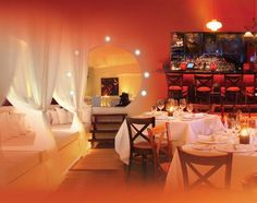 Screaming Eagle Restaurant-Lounge - One of the best restaurants in Aruba.  You can choose to have dinner in bed.  Lots of fun!
