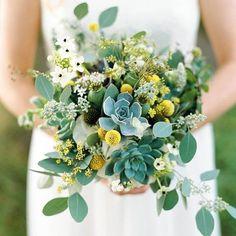 Flores verdes e amarelas pelo dia de hoje! Pátria amada  #meucasamentoperfeito