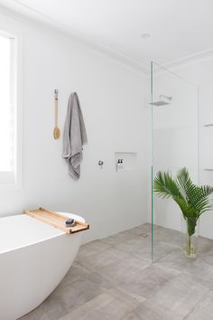 10 Tips for Family Bathroom Design — Heliconia - Zimmereinrichtung Bathroom Renos, Bathroom Layout, Bathroom Renovations, Bathroom Interior, Home Remodeling, Family Bathroom, Laundry In Bathroom, Small Bathroom, Ikea Bathroom