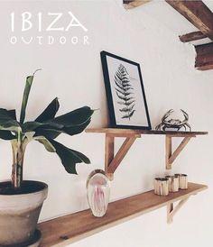 Nieuw! stoere teakhouten wandplanken, leuk voor in de woonkamer, slaapkamer, badkamer! bij interesse mail naar ibizaoutdoor@gmail.com ook voor een afspraak in de loods.