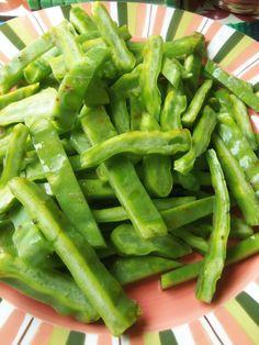 Nopalitos con Rajas en Salsa Verde (Cactus with Roasted Green Chiles in Tomatillo Salsa) | La Piña en la Cocina