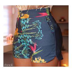 A imagem pode conter: shorts Shorts Outfits Women, Short Outfits, Cute Outfits, All Fashion, Fashion Outfits, Womens Fashion, Cute Shorts, Casual Shorts, Clothing Store Displays