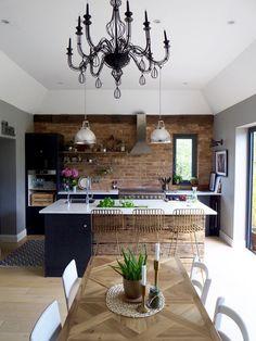 Open Plan Kitchen Living Room, Barn Kitchen, Home Decor Kitchen, New Kitchen, Home Kitchens, Kitchen Design, Dining Room, Cuisines Design, Home Interior Design